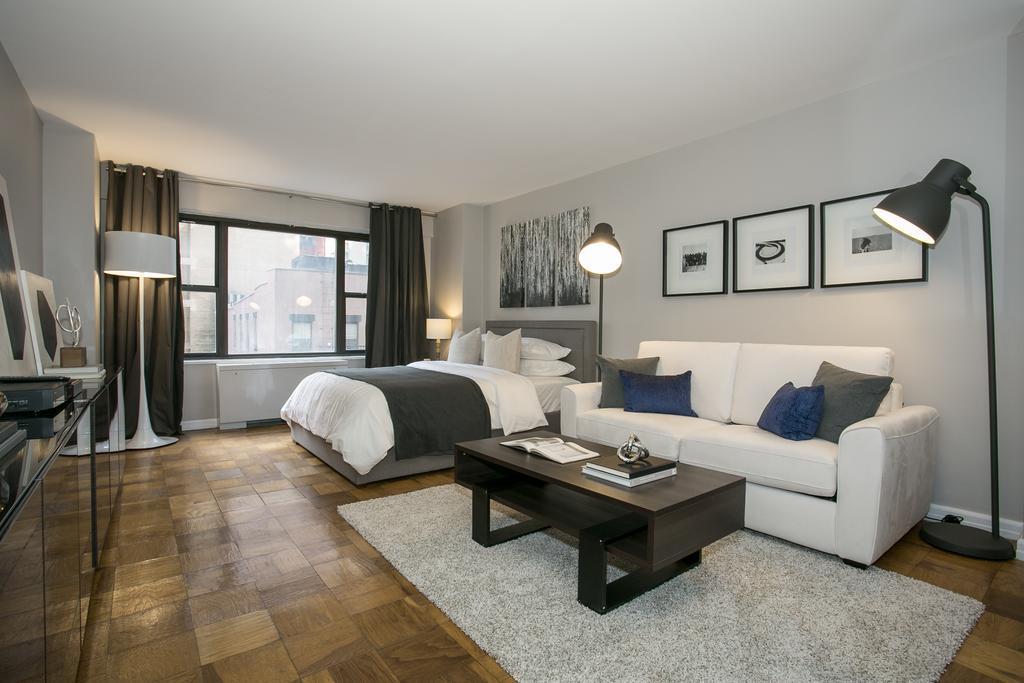 Комната - гостиная со спальней