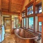 Бронзовая ванна в интерьере