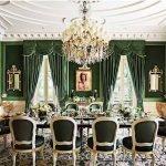 Зеленые стены в столовой