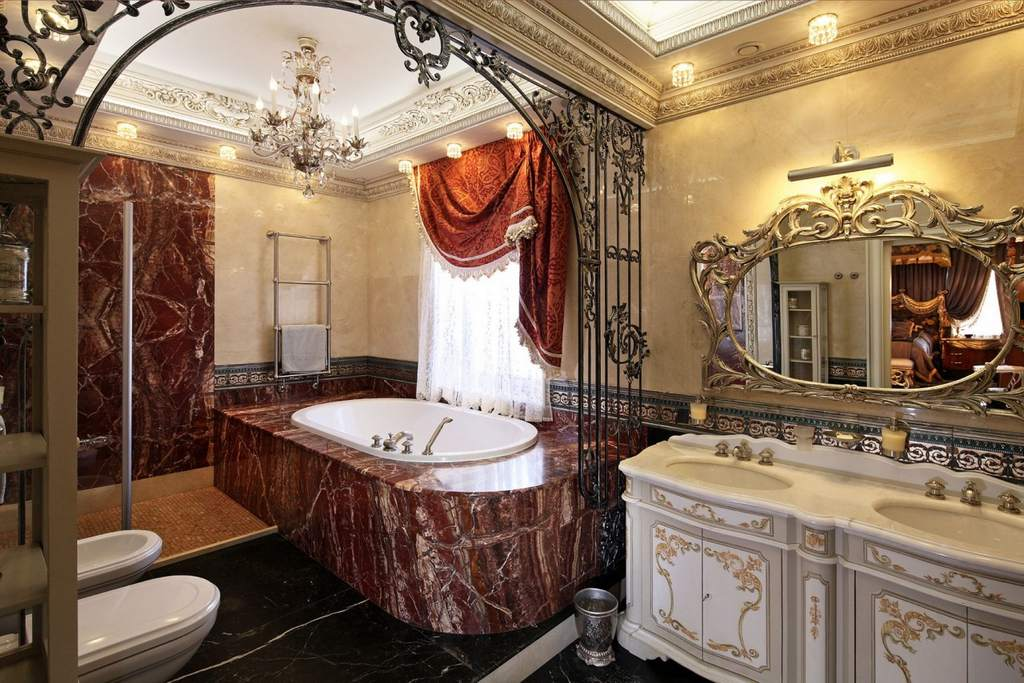Ванная в дворцовом стиле