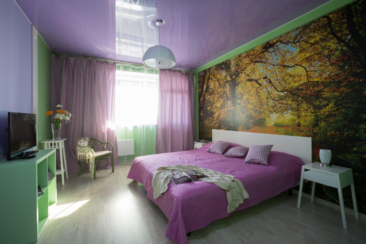 Фиолетово-зеленая спальня