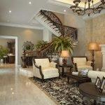 Пальмы у лестницы