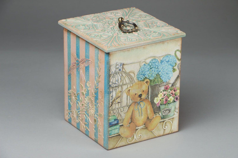 Коробка с мишкой
