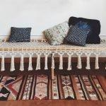 Подушки на скамейке