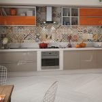 Оранжевый холодильник на кухне