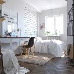 Плетеная корзина в спальне