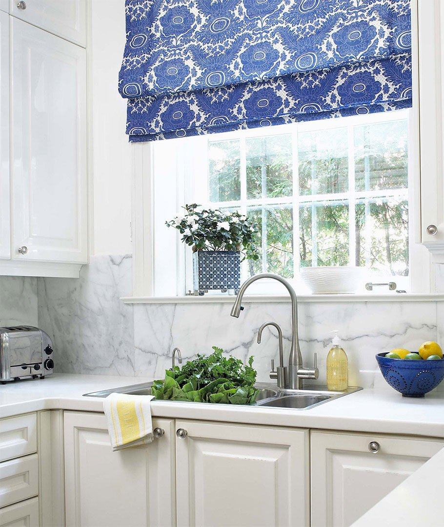 Синий текстиль на кухне