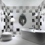 Белый пол в ванной