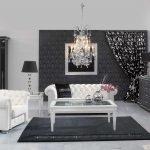 Белая мебель в черной гостиной