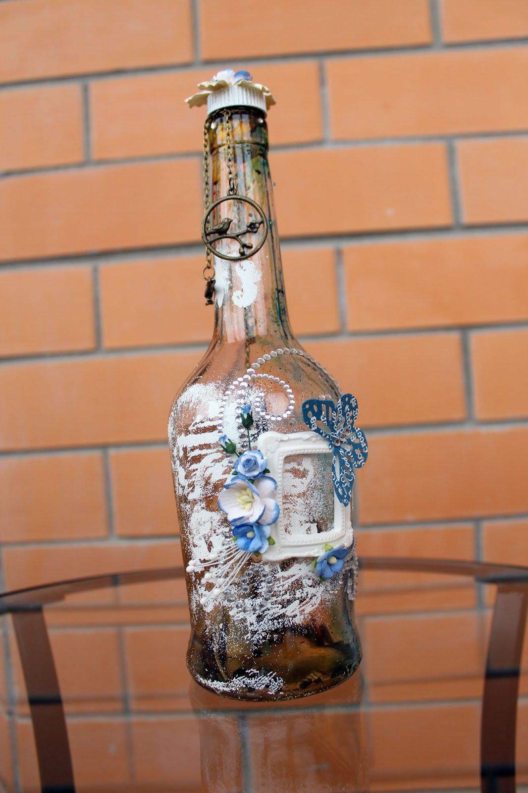Украшение бутылки полимерной глиной и акриловой росписью