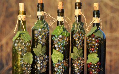 Декорирование бутылки к 8 Марта