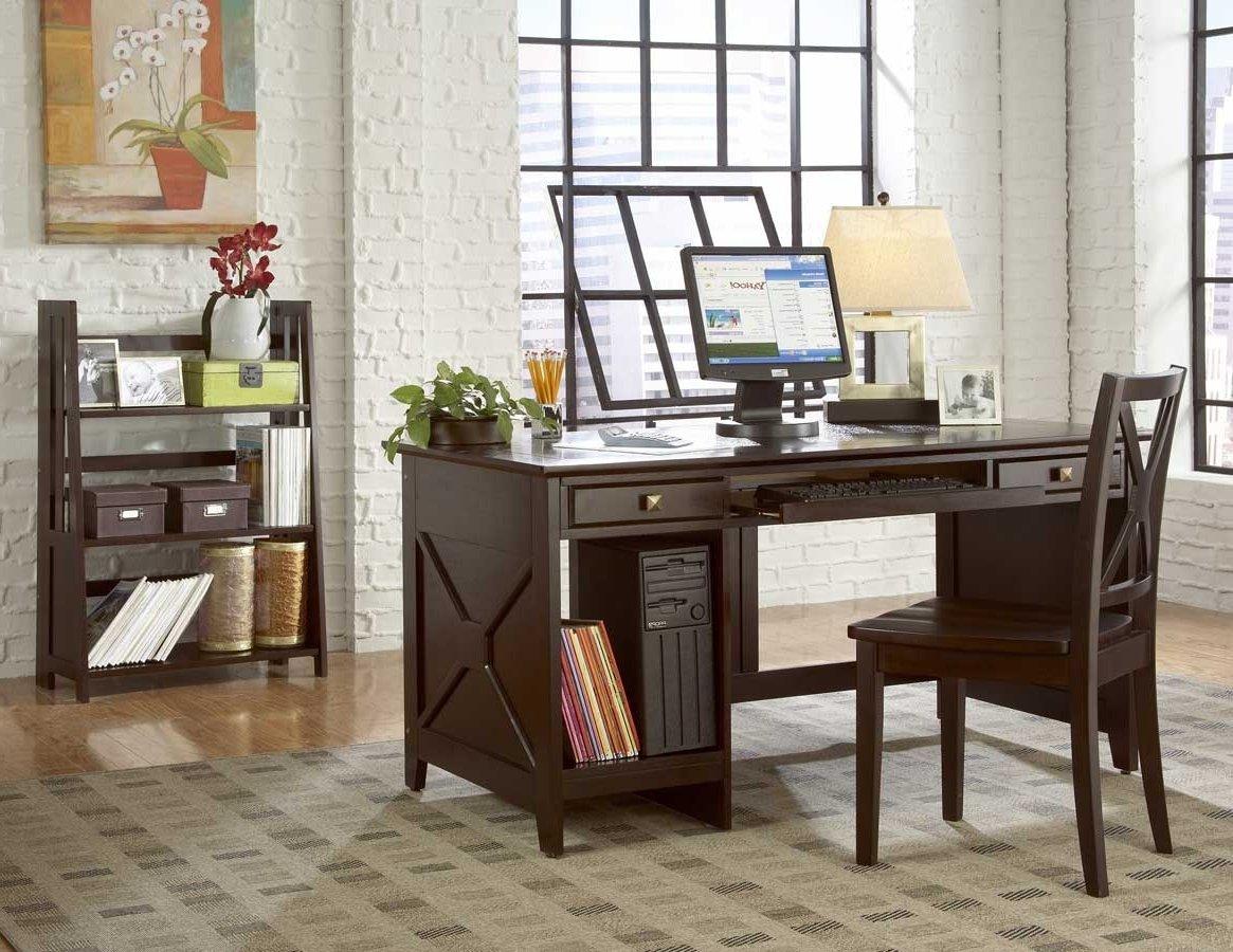 Размещение рабочего стола в интерьере