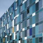 Светопрозрачные панели в отделке фасада