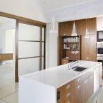 Встроенная печь на кухне