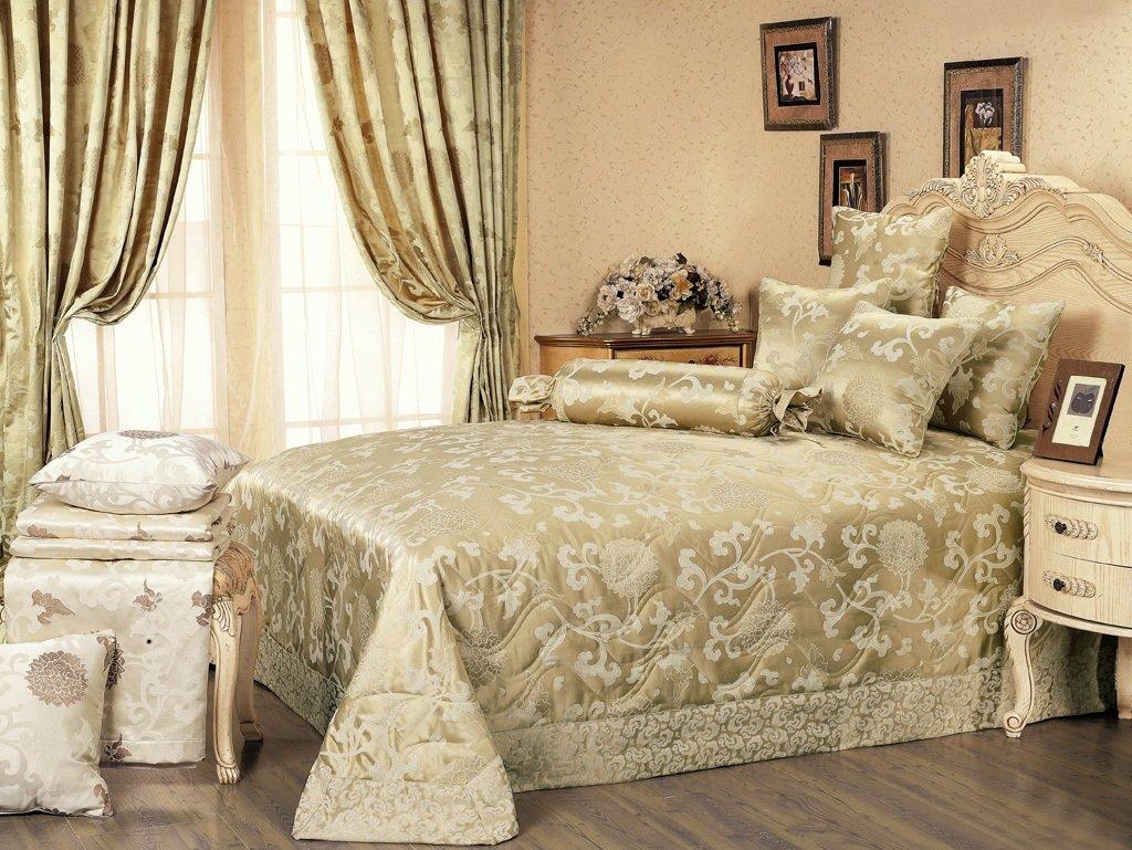 много дизайн покрывал и штор в спальню фото она подходит, как