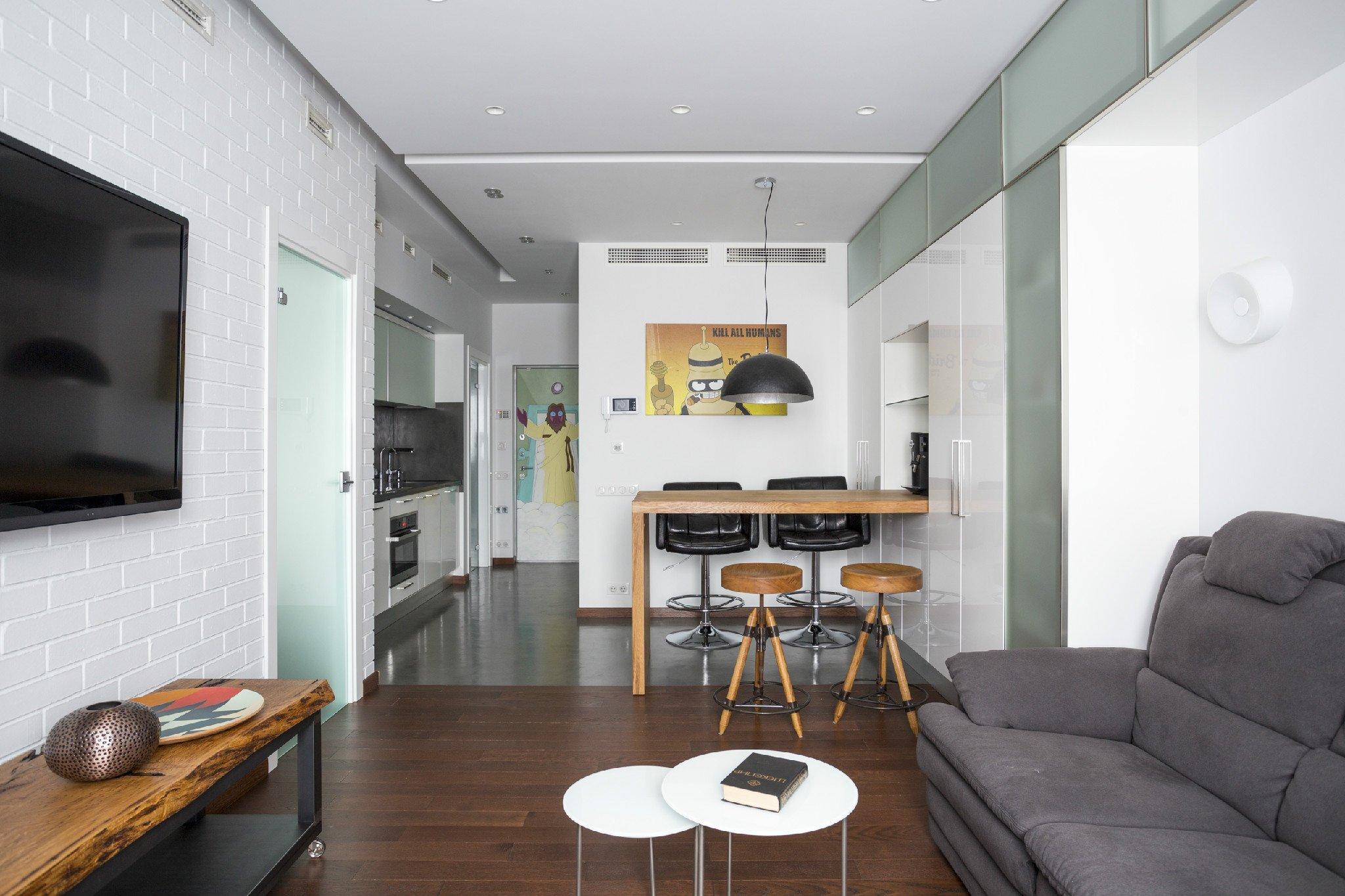 Барная стойка в квартире-студии