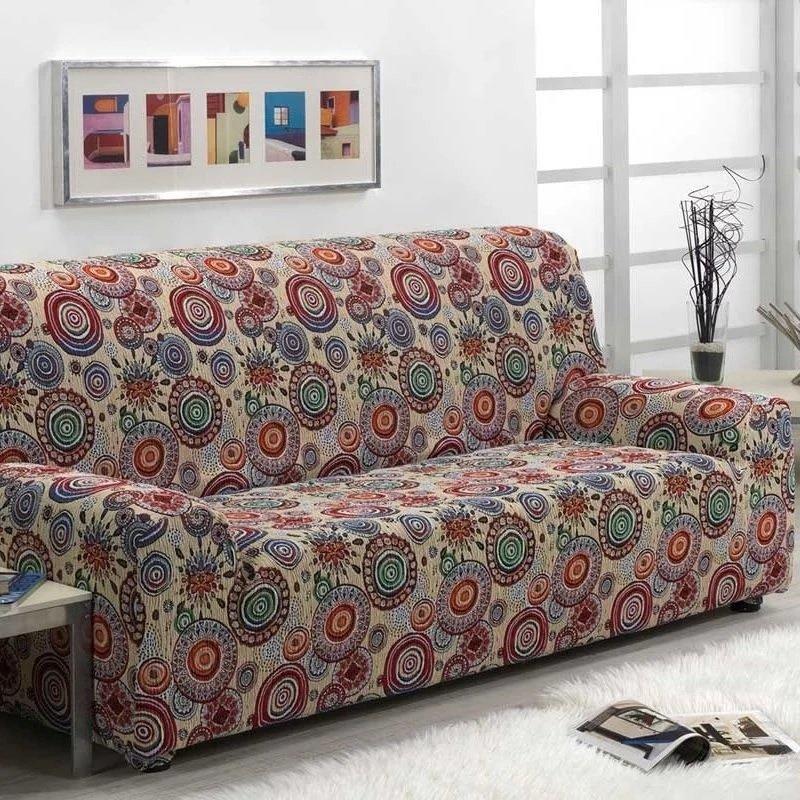 Цветной еврочехол на диване