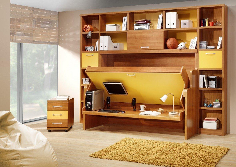 Стол-кровать в детской