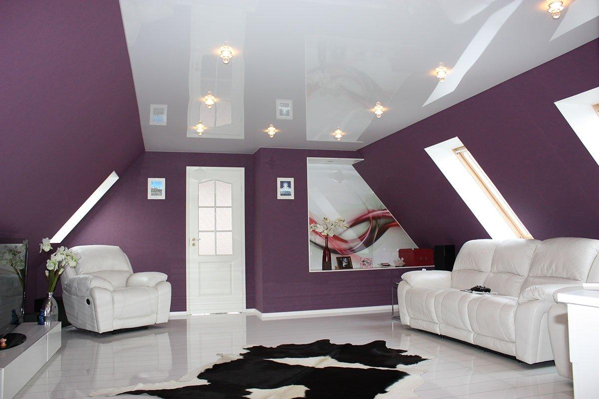 Белый однотонный натяжной потолок