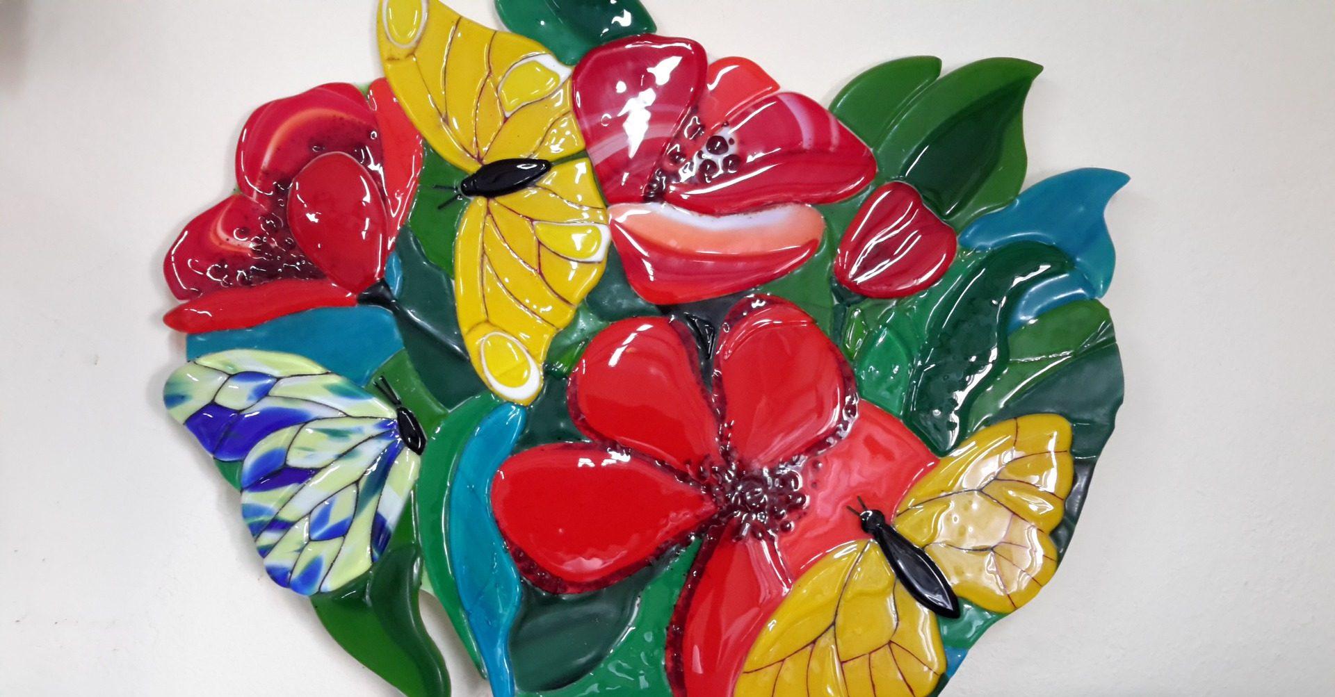 Бабочки на цветах