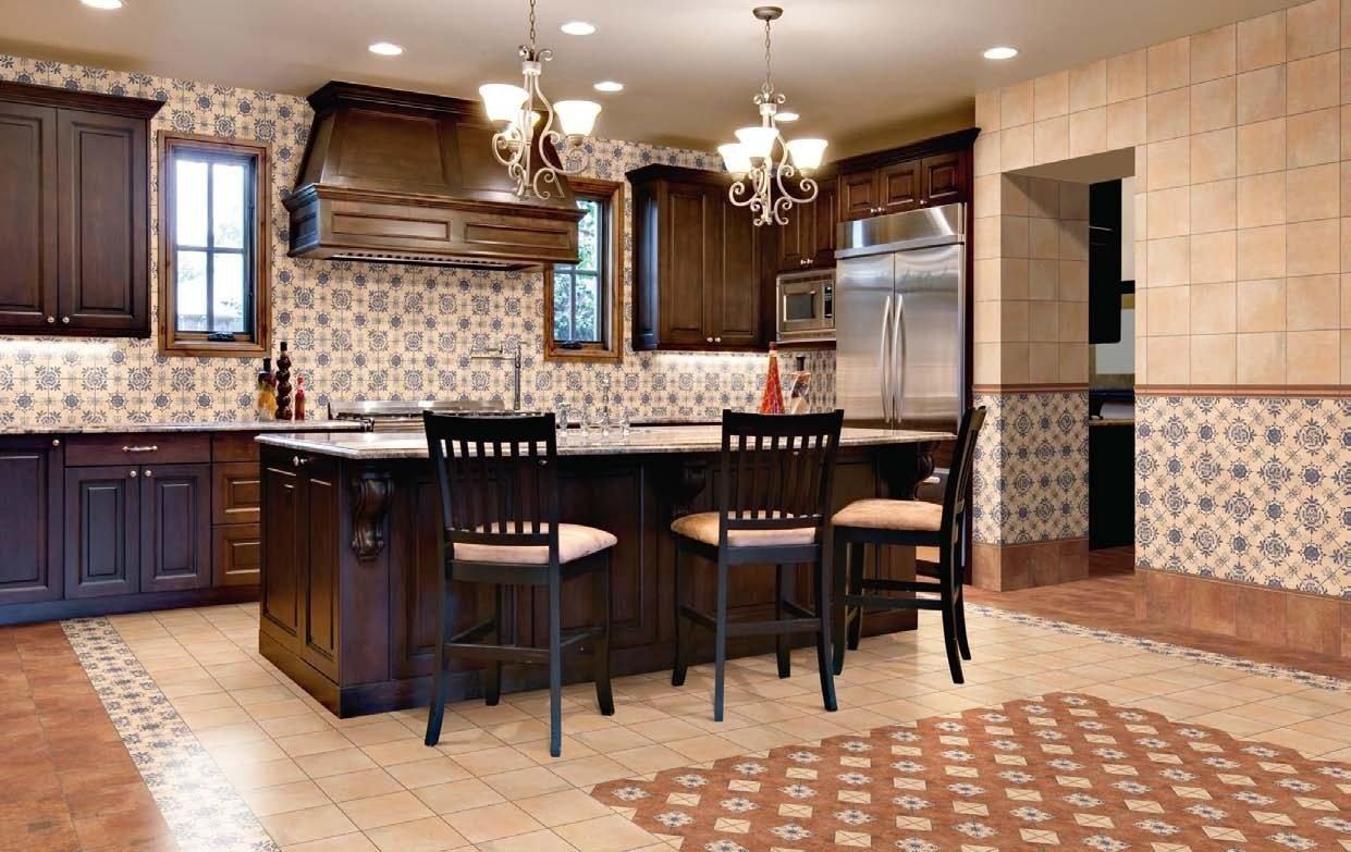 Большая кухня в классическом стиле