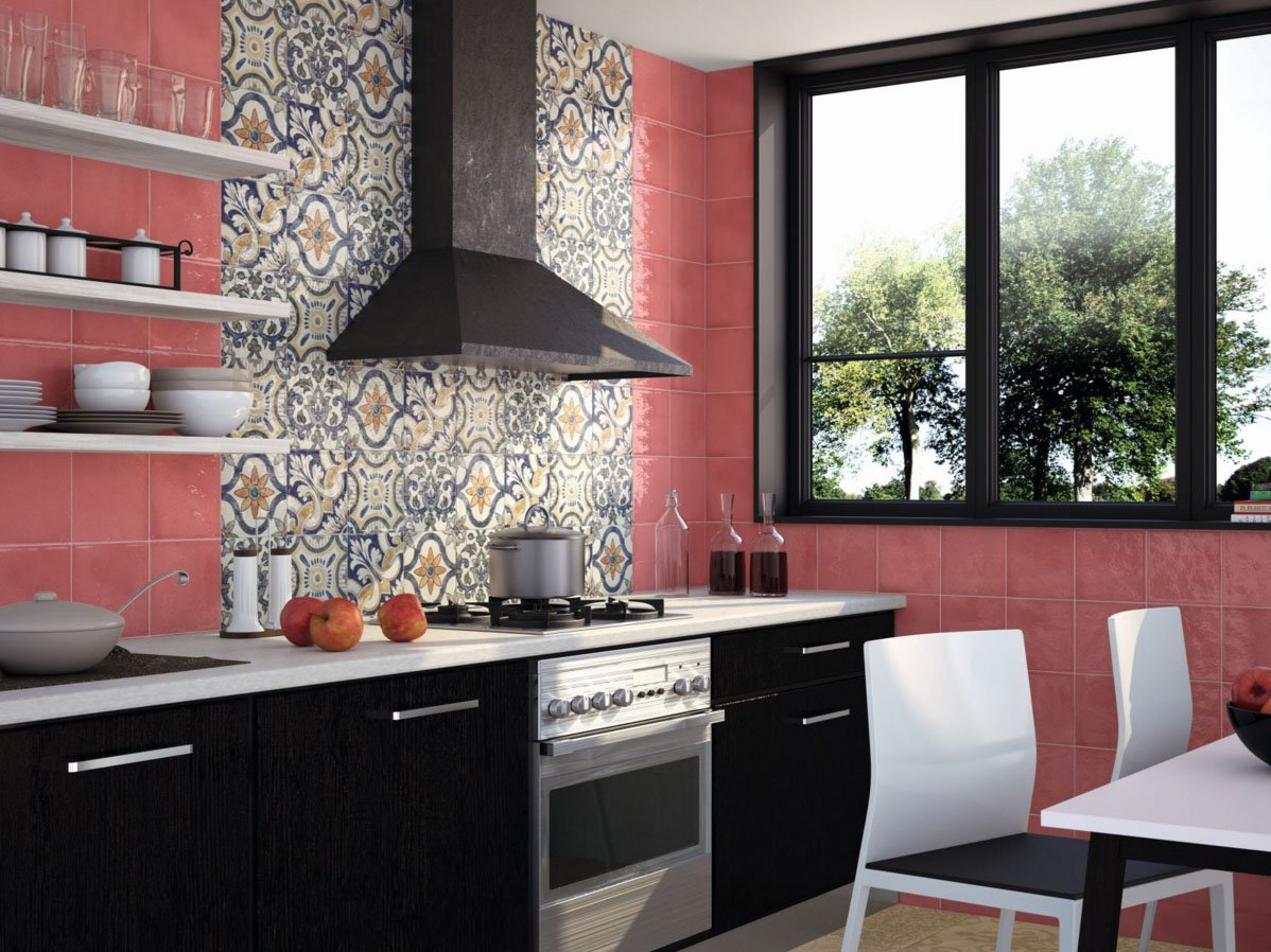 Маленькая кухня с окном