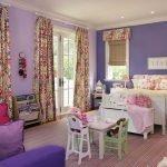 Сочетание розового и фиолетового в дизайне детской