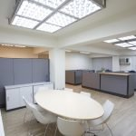LED-освещение в большом офисе