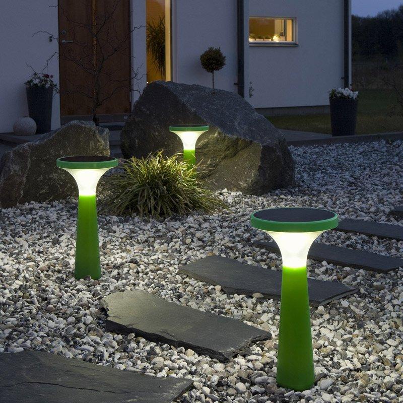 Зеленый ландшафтный светильник