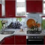 Кухня в красных оттенках