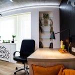 Рабочая зона в комнате для подростка