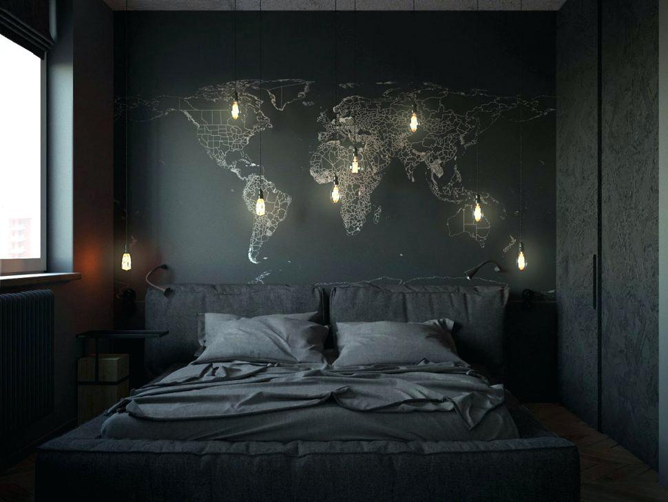 Лампочки над кроватью