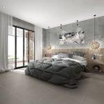 Квадратная спальня с балконом
