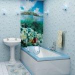 Голубой и белый в дизайне ванной