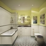 Черно-белая плитка на полу в ванной