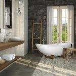 Ванная комната с окном в пол