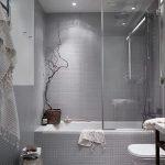 Освещение в серой ванной