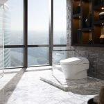 Ванная с окнами в пол
