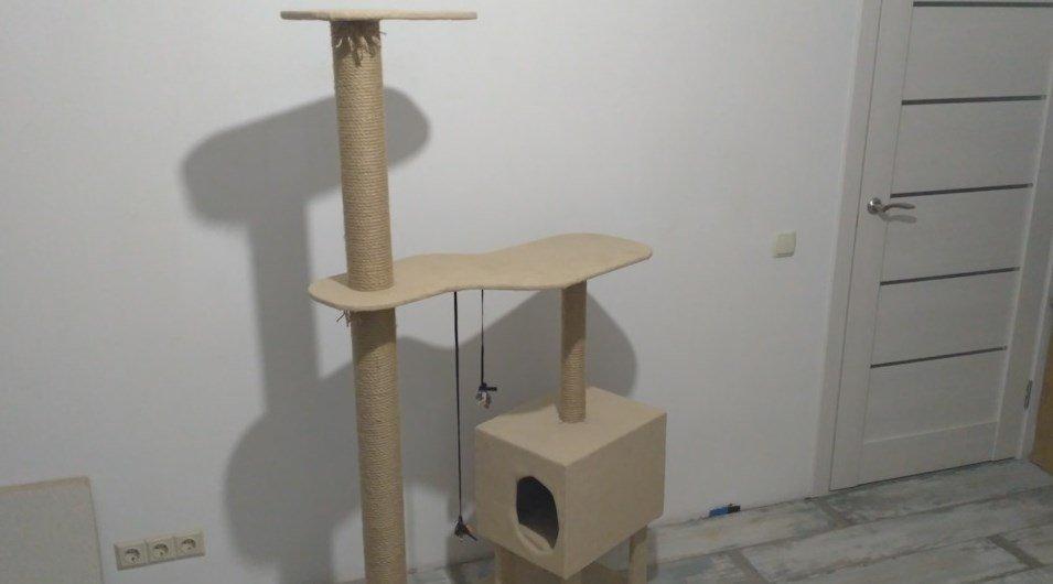 Готовый самодельный домик из дерева