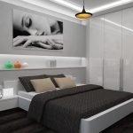 Фотография на стене в спальне