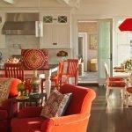 Красно-оранжевая мебель на кухне