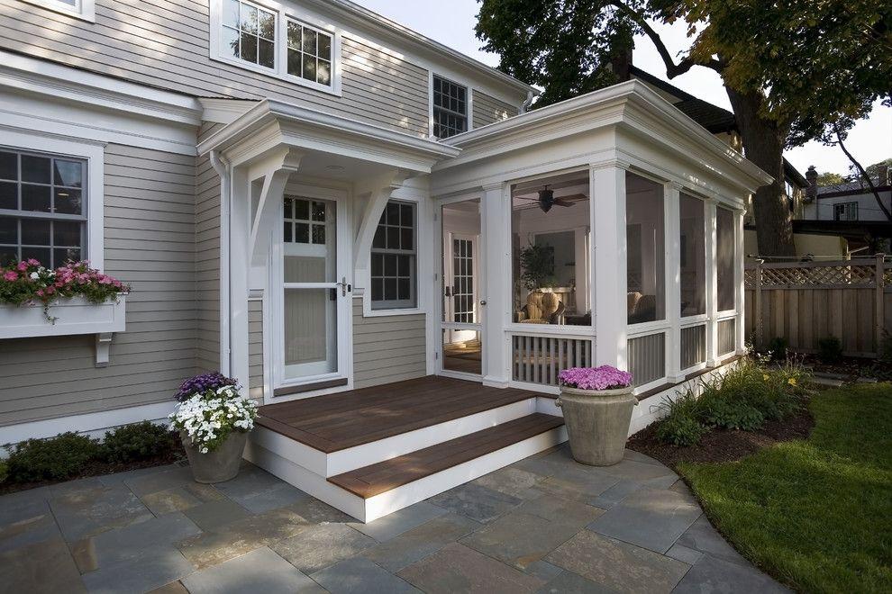 Дом с открытым крыльцом
