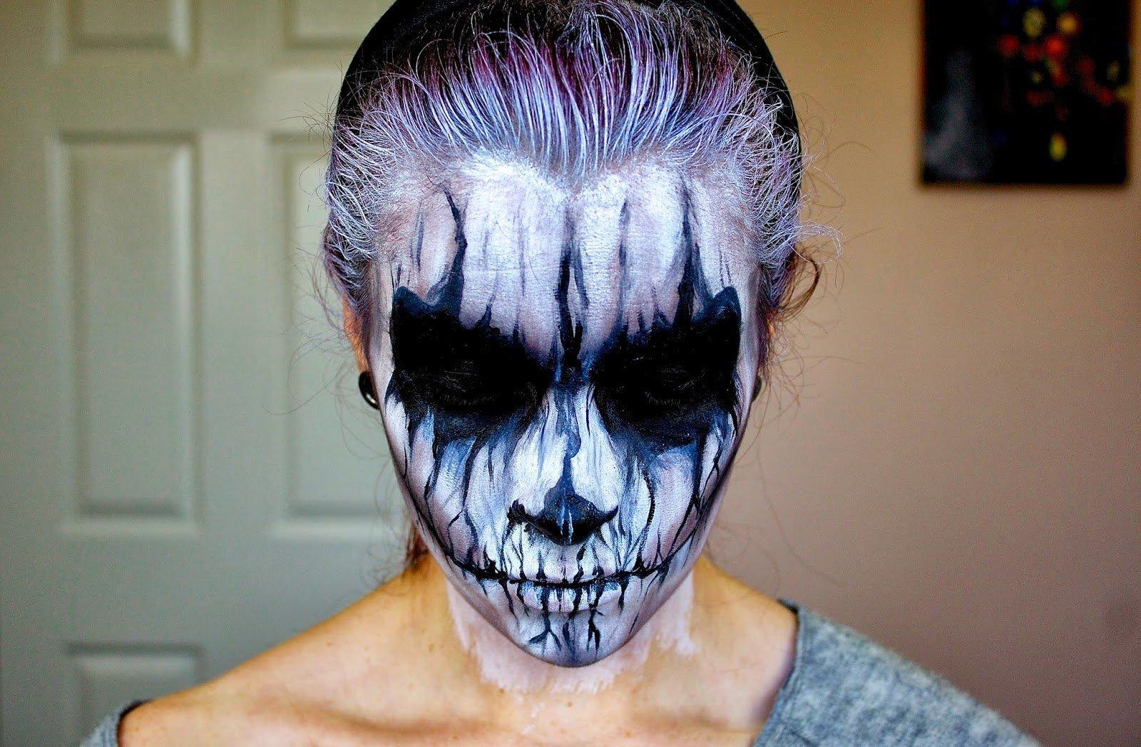 Маска на хэллоуин из грима