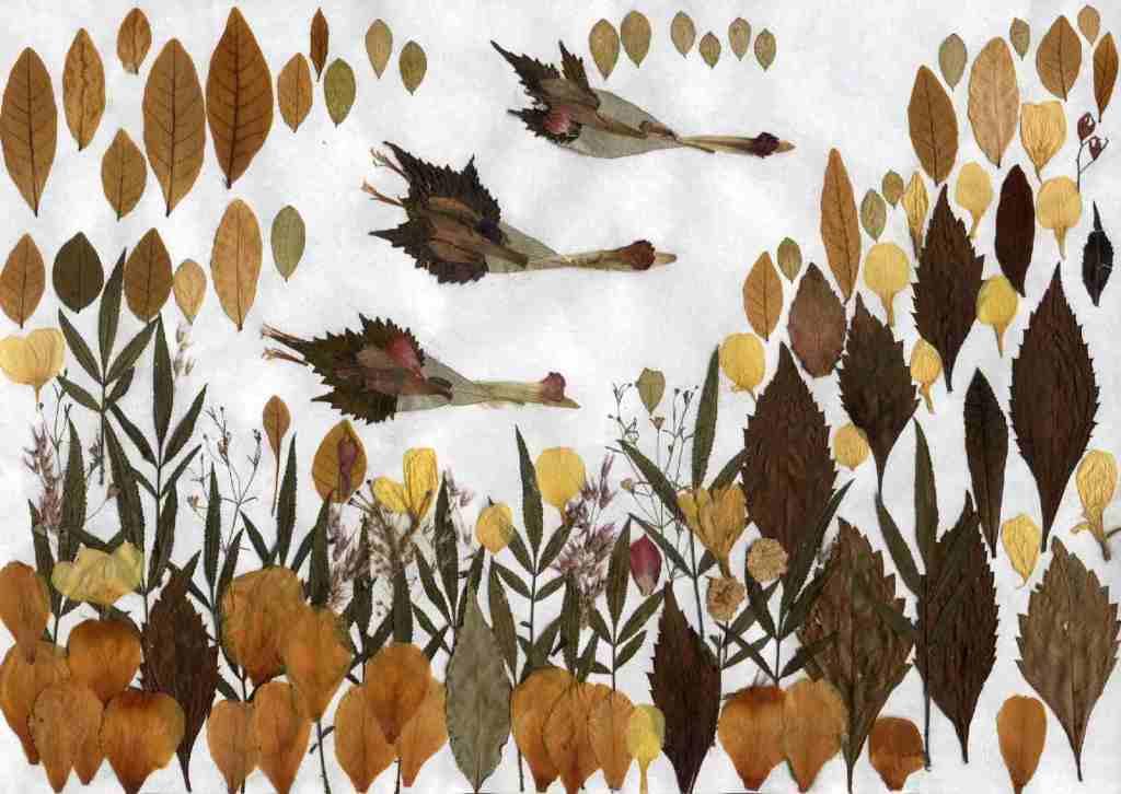 Декоративное панно из осенних листьев