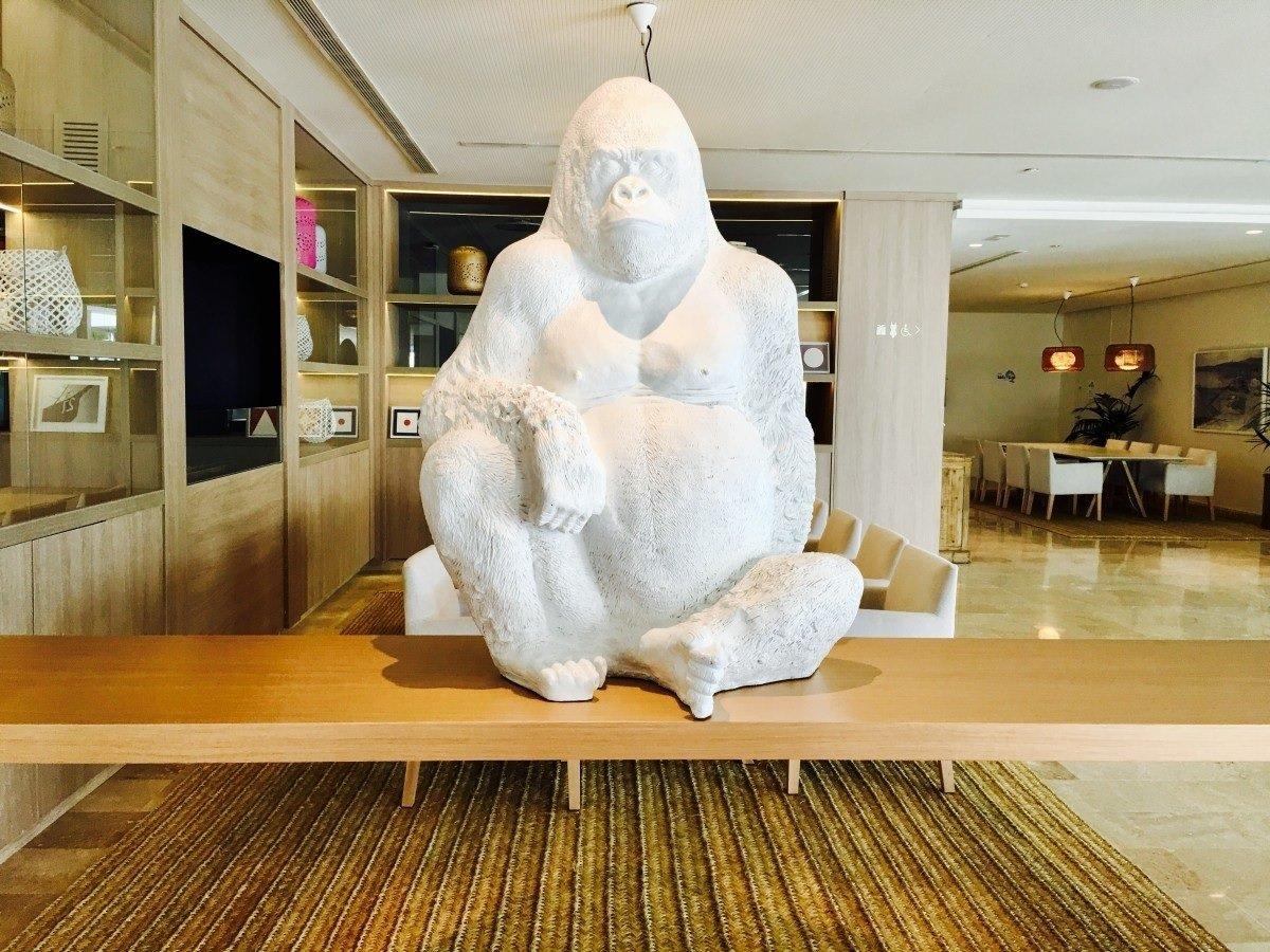 Скульптура из гипса в интерьере