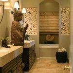 Светильники на стене в ванной