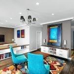 Голубые кресла в гостиной