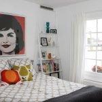 Яркий китч в интерьере спальни