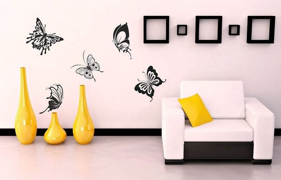 Трафареты на стене