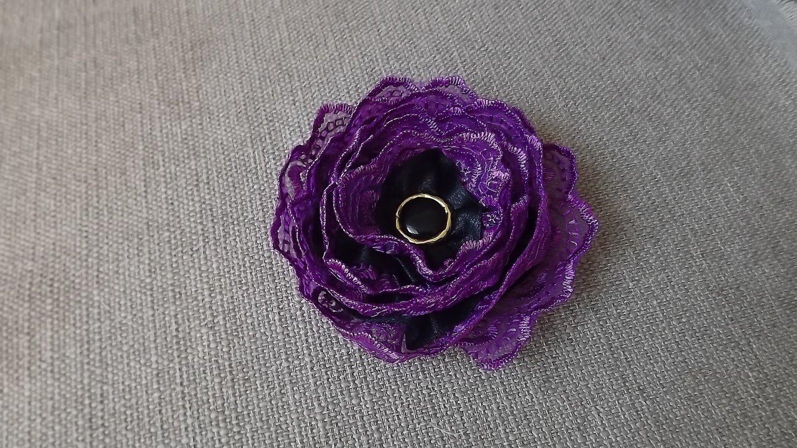 Цветок из кружевной ленты